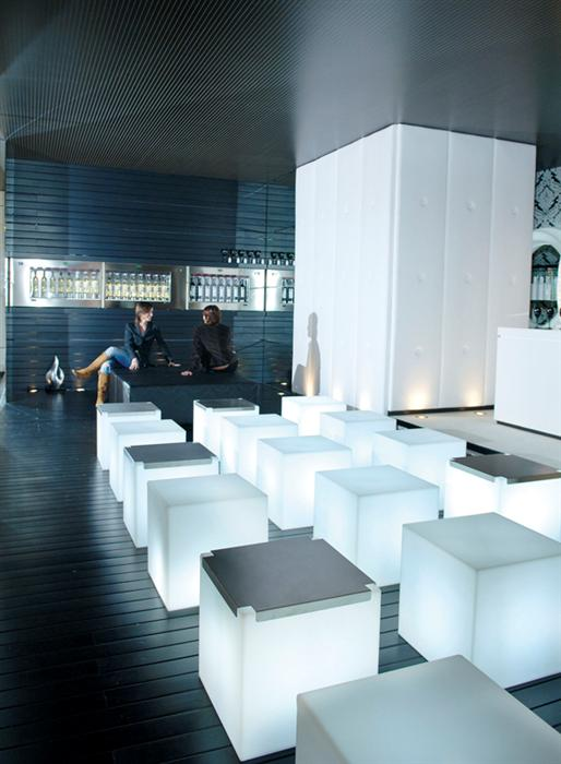 led-cube-chair-hire