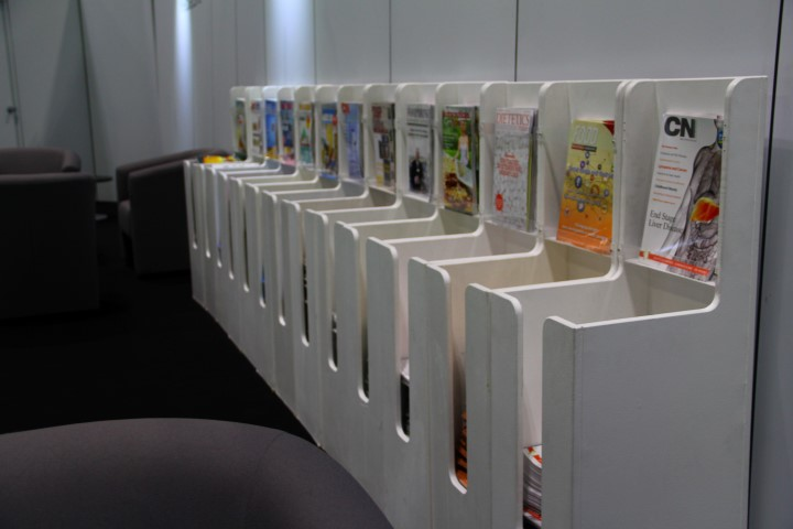 magazine-dispenser